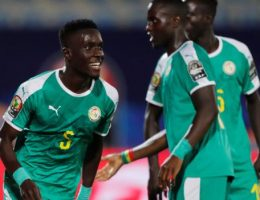 Africa Cup of Nations: Idrissa Gueye's goal sees Senegal beat Benin to reach semis