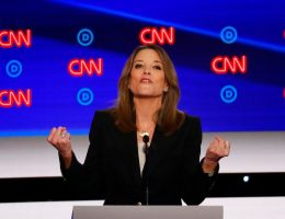 Marianne Williamson, Beto O'Rourke embrace reparations at Dem debate, to applause