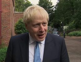 PM urges NI parties to 'seal power-sharing deal'