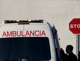 Spain embroiled in end-of-life care row over fate of gravely ill woman