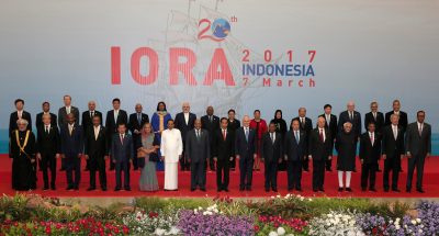 Participants stand during photo session for Indian Ocean Rim Association(IORA) Leaders' Summit 2017 in Jakarta, Indonesia, 7 March 2017 (Photo: Reuters/Beawiharta).