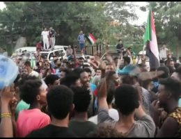 Sudan crisis: Military and opposition agree power-sharing deal