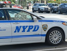 Video shows bystanders coming to aid of NYPD officer who had finger stuck in trunk