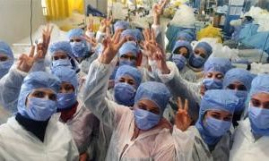 Coronavirus: 150 Tunisians self-isolate in factory to make masks