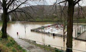 Coronavirus in Wales: Flood-hit families struggle with virus