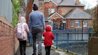 Coronavirus: Teachers to estimate grades after exams cancelled