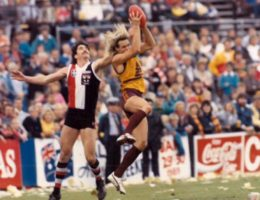 From Skase to Capper: How the Bears helped AFL sink its claws into Queensland