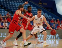 Perth Wildcats demand NBL trophy after Kings' coronavirus fears end finals series