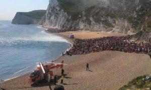 Durdle Door: Coastguard warns over tombstoning after three hurt jumping 70ft