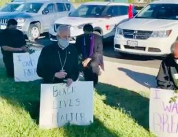 AMERICA/UNITED STATES - Peaceful dissent and prayer for the death of George Floyd in El Paso