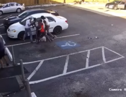 Group attacks customer outside Texas convenience store: cops