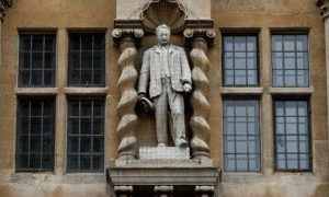 UK Rhodes protesters to fight on while statue remains