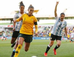 Matildas star Steph Catley joins English powerhouse Arsenal