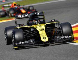 Ricciardo breathes life into 'boring' Hamilton procession