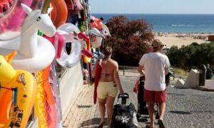 Coronavirus: Britons in Portugal await UK quarantine decision