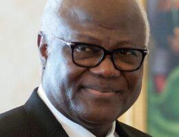 Ernest Bai Koroma: Sierra Leone ex-leader banned from leaving country