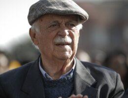 George Bizos: Anti-apartheid lawyer who defended Mandela dies aged 92