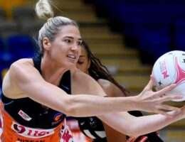 Giants, Firebirds win to stay in Super Netball finals race