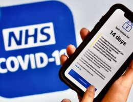NHS Covid-19 app: England and Wales get smartphone contact tracing for over-16s