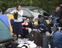 Ukraine urges Jewish pilgrims stuck at border to turn back