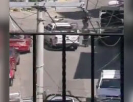 Video: Acapulco Neighborhood Gun Battle Leaves Two Dead Extortionists