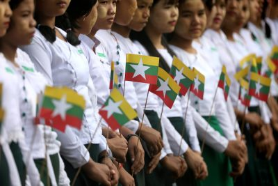 Students wait for Myanmar's State Counsellor Aung San Suu Kyi to arrive at a school in Kawhmu, Yangon, Myanmar, 18 July, 2019 (Photo: Reuters/Ann Wang).