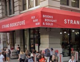 Oregon Democrat Wyden's wealthy wife pleads for help for her struggling NYC bookstore