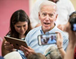 US: 33 ex-ambassadors to Middle East endorse Biden