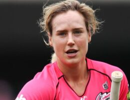Ellyse Perry stars in Sydney Sixers' WBBL win over Brisbane Heat