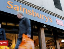 Sainsbury's to cut 3,500 jobs and close 420 Argos stores