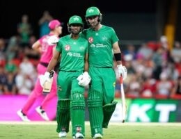 Sixers win Big Bash thriller over Stars, Thunder smash Renegades