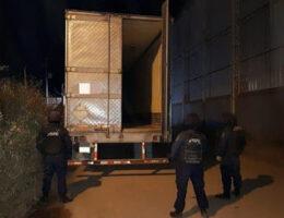 San Luis De La Paz, Guanajuato: Tractor Trailers With Ammunition Cargo Burglarized