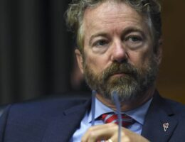 Rand Paul Will Introduce a Repeal of Air Travel Mask Mandates to 'Stop This Farce'