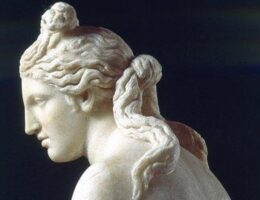 Cambridge University Will Create Signs to Excuse the 'Whiteness' of Its Greek and Roman Statues