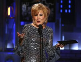 Hacktress Bette Midler Proposes 'Sex Strike' Over Texas Abortion Law and I Have Thoughts