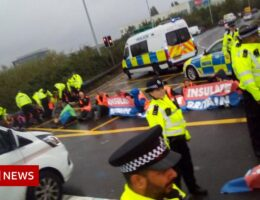 Insulate Britain: M25 blocked near Heathrow as activists stage protest