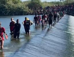 US Begins Flying Haitians Camped in Del Rio, Texas Back to Their Homeland