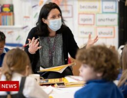 Welsh schools at breaking point on Covid - council