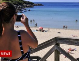 Covid: Amber list scrapped as travel rules simplified