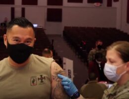 Hundreds of Thousands of US Troops Still Not Fully Vaccinated Against Covid as Deadlines Loom