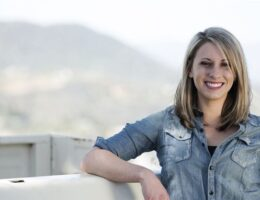 """Katie Hill, Congresswoman at the Center of """"Throuple"""" Scandal, Is Having a Child with the Reporter Who Ran Interference for Her"""